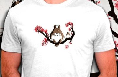 t-shirt Totoro sur un cerisier